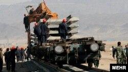 قرارگاه خاتم الانبياء وابسته به سپاه پاسداران انقلاب اسلامى برنده مناقصه دو و نيم ميليارد دلارى پروژه ساخت خط ريلى پس کرانه در منطقه آزاد چابهار شده است.