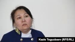 Судья Алмалинского райсуда Алматы Тахлима Ахметова оглашает постановление об отказе в отводе судьи Марал Джарилгасовой. Алматы, 29 декабря 2015 года.