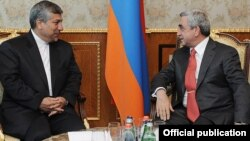 Armenia - President Serzh Sarkisian (R) meets with Iran's Energy Minister Majid Namjou in Yerevan, 2Jun2012.
