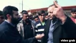یکی از ساکنان شهرک طالقانی ماهشهر که از بیکاری، فقر و بیکاری در «قطب پتروشیمی ایران» میگوید.