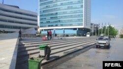 Ispred Parlamenta BiH jutro nakon blokade, 7. jun 2013.