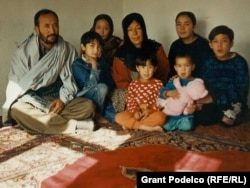 Anwari, Rabia, and their six daughters in Kabul in November 2002.