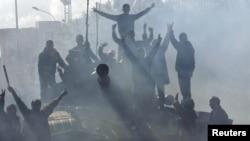 تانکی که به دست نیروهای معترض در لیبی افتاده است