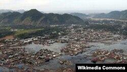 Pamje pas një tërmeti në Sumatra të Indonezisë