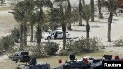 نیروهای نظامی اعزامی از کشورهای عضو شورای همکاری خلیج فارس در حال حرکت به سوی میدان مروارید منامه