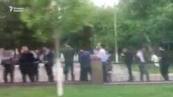 Талабалар Туркманистон президентини кутиш учун кўчага ҳайдалди