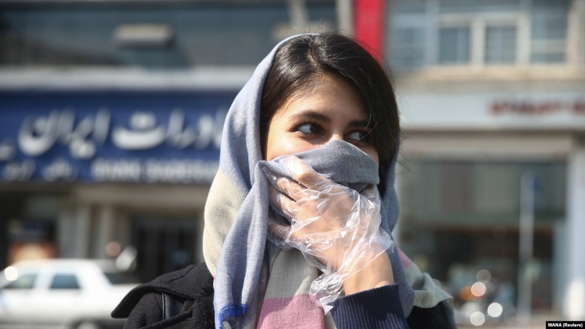 В Иране из-за вспышки коронавирус закрыли все школы