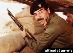 Саддам Хусейн в 1990 году