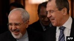 Министр иностранных дел Ирана Джавад Зариф (слева) и глава МИД России Сергей Лавров. Москва, 16 января 2014 года.