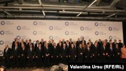 """ЕО-ның """"Шығыс ынтымақтастығы"""" саммитіне қатысушылар. Вильнюс, 28 қараша 2013 жыл."""