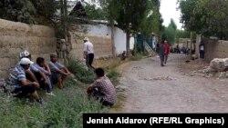 На месте конфликта на участке кыргызско-таджикской границы. 4 августа 2015 года.