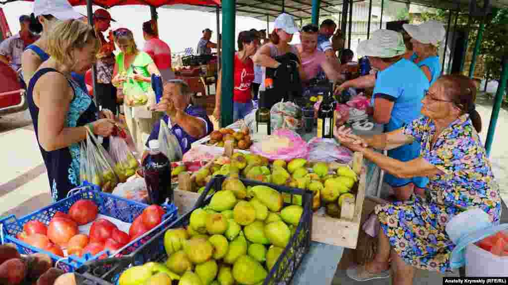 В Приветном цены на сладкий плод в этом году вроде бы не «кусаются»
