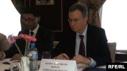 Дэниэл Розенблюм, заместитель помощника государственного секретаря США по Центральной Азии, на встрече с журналистами в посольстве США. Ташкент, 6 сентября 2016 года.