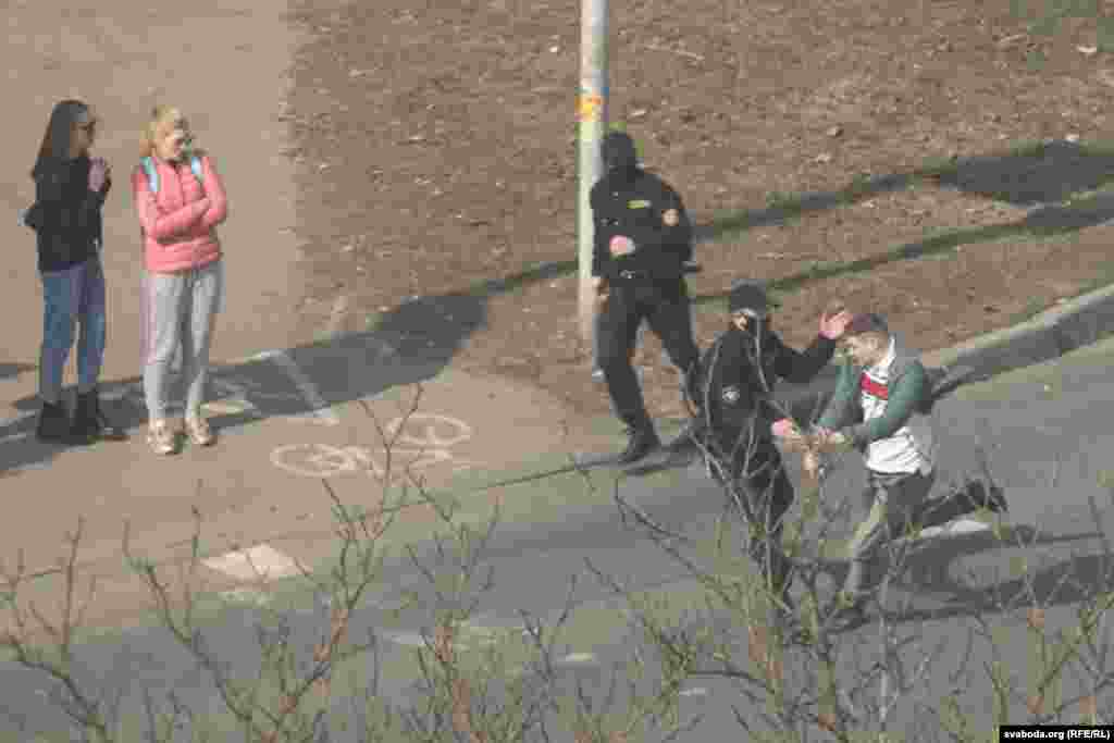 Belarus - detentions at Balgalor Square in Minsk on March 27, 2021