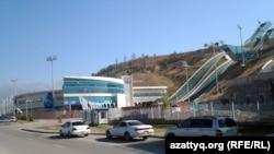 Комплекс лыжных трамплинов в Алматы, построенный к зимней Азиаде.