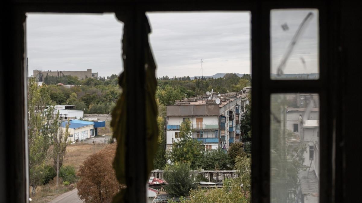 В штабе ООС подтвердили обстрел боевиками авто с журналистами