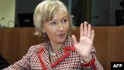 «Від участі у виборах відсторонюють тих кандидатів, які є справжніми конкурентами пана Путіна» – Крістіна Оюланд