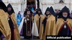 Nagorno-Karabakh - Catholicos Garegin II leads a procession of senior Armenian clergymen to the Holy Savior Church in Shushi (Shusha), 8Sep2016.
