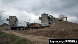 Демонтаж недостроенного музея Великой Отечественной войны
