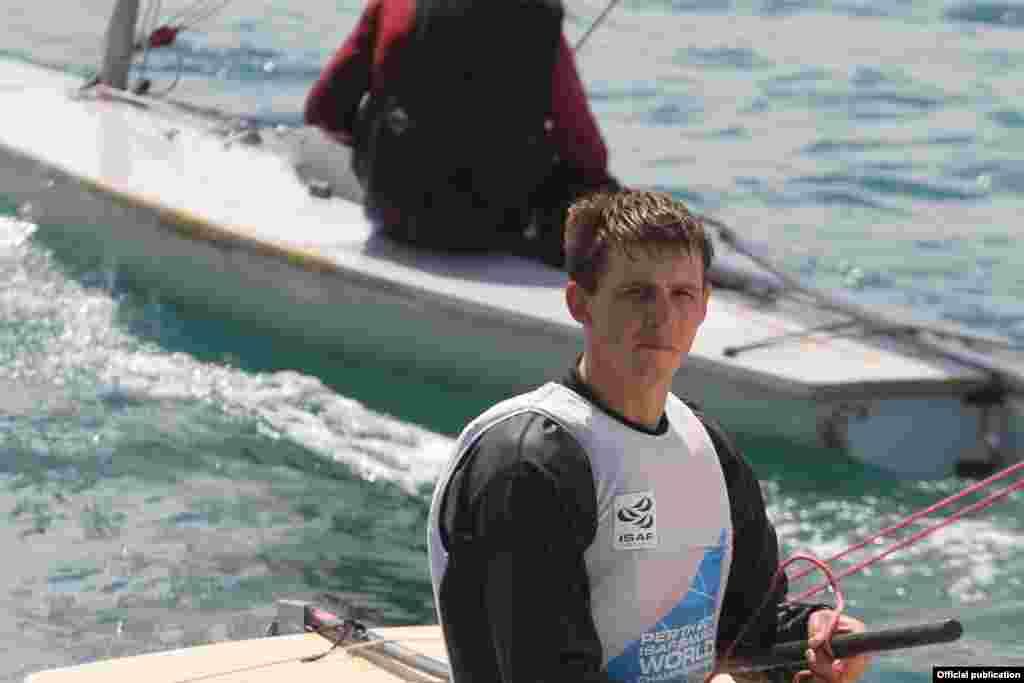 Илья Игнатьев, парусный спорт. Многократный призер международных соревнований. Кыргызстан впервые участвует в соревнованиях по парусному спорту в Олимпийских играх.