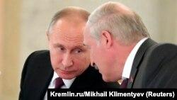 Володимир Путін (л), Олександр Лукашенко