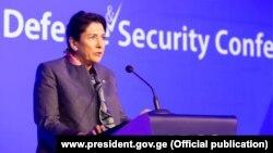 Саломе Зурабишвили выступает на конференции по безопасности в Батуми, 6 ноября 2019 г.