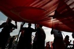 Протест проти уряду Туреччини на площі Таксім у Стамбулі, 6 червня 2013 року