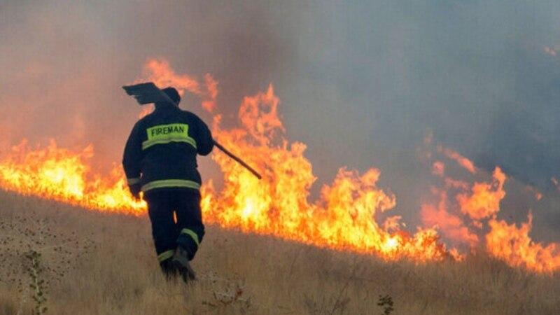 روایت یک جوان بهایی که اجازه خاموش کردن آتش ندارد