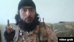"""таджикский боевик в Сирии Нусрат Назаров, называющий себя """"Абу Холиди Кулоби"""""""