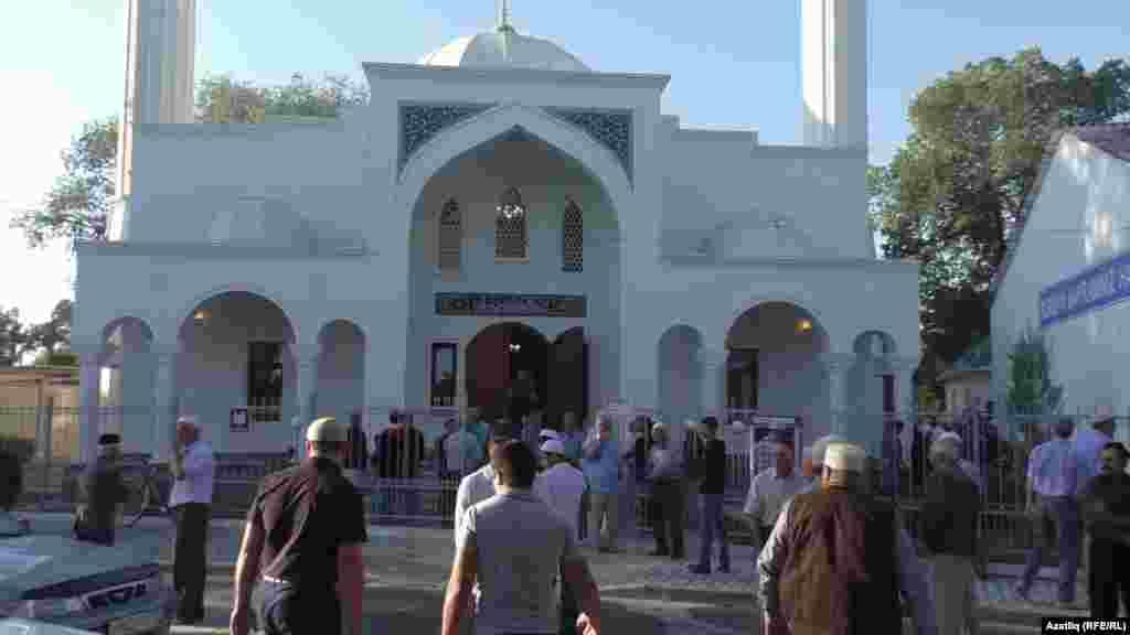 В мечети совершается праздничная молитва. Белогорск