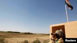 Иракский пограничник на границе Ирака и Сирии. Иллюстративное фото.
