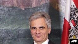 Kancelari Austriak Werner Faymann.