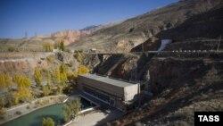 Гидроэлектростанция в Нарынской области Кыргызстана. Иллюстративное фото.