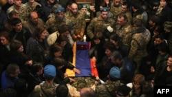 Похороны армянского военного в Ереване.