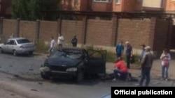 Уфада сәүдә үзәге янында бомба шартлаган машина. bashinform.ru сайты фотосы
