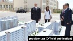 İ.Əliyev və M.Əliyeva «Qobu Park» yaşayış kompleksinin açılışında