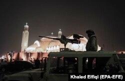Ushtria egjiptiane ruan katedralen e sapo inauguruar për Kishën Ortodokse Kopte. Janar, 2019.