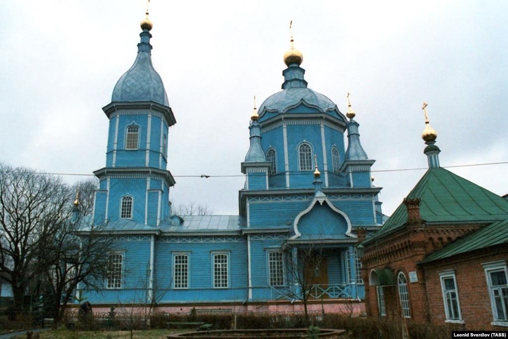 Спасо-Преображенська церква у Новозибкові. Старообрядницький храм, збудований за українськими зразками. Храм споруджували протягом трьох років, з 1911-го по 1914 рік