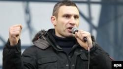 Ukrainë - Prijësi opozitar ukrainas Vitaly Klitschko flet gjatë protestës pro-evropiane në Kiev, 17 dhjetor, 2017