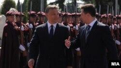 Унгарскиот премиер Виктор Орбан и премиерот Никола Груевски. Орбан во официјална посета на Македонија, 12 мај 2011.
