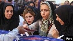 احد مراكز الاقتراع في طهران 14 حزيران
