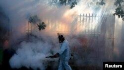 Prašenje protiv komaraca zbog zika virusa, Nikaragva, januar 2015.