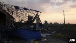 Një shtëpi e shkatërruar në pjesën lindore të Ukrainës