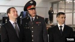 слева направо: Медведев, Колокольцев, Нургалиев