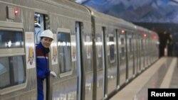 Метро Алматы в день официального открытия. 1 декабря 2011 года.