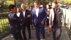 Кандидаты Жээнбеков и Бабанов проголосовали на президентских выборах в КР