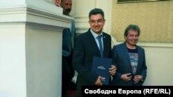 Пламен Николов и Тошко Йорданов от ИТН представиха предложенията за министри в бъдещия кабинет и подчертаха, че имената им няма да бъдат променяни