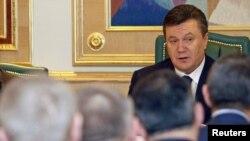 Президент Віктор Янукович виступає перед міністрами новосформованого уряду. Київ, 12 березня 2010 року