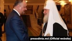 Президент Молдовы Игорь Додон и глава РПЦ патриарх Кирилл, Москва