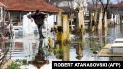 Архивска фотографија: Поплави во струмичко Моноспитово на 27 февруари 2013 година.